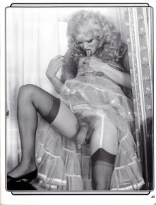 vintage amateur tranny licking herself